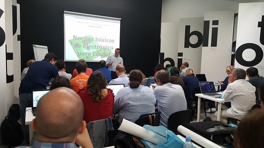 O Eng. Eduardo Ferreira explica as noções básicas de eletrónica e soldadura
