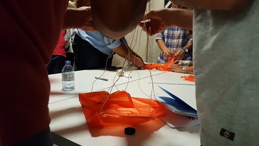 Fabrico de paraquedas